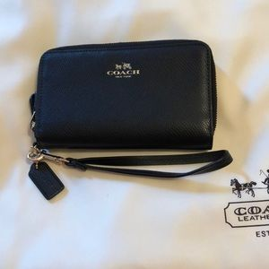 Coach wristlet/wallet black leather
